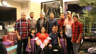 La familia Pérez de izquierda a derecha: Ricardo 30, Joe 35, Héctor 39,G...