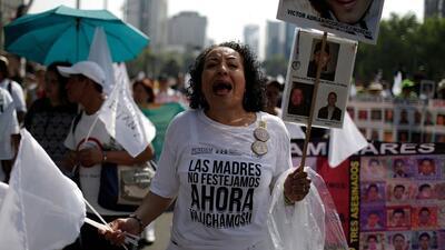 Lejos de celebrar su día, la madres de México marchan por los desaparecidos
