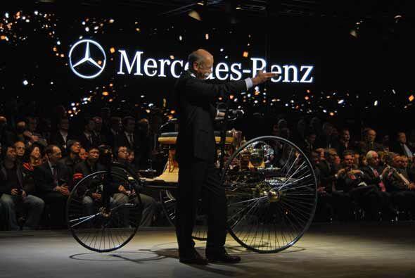Con este vehículo de tres ruedas, la compañía alemana festejó 125 años d...