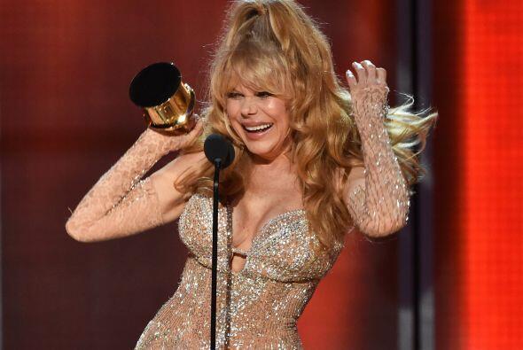 La cantante española recibió un homenaje por su trayectoria como artista.