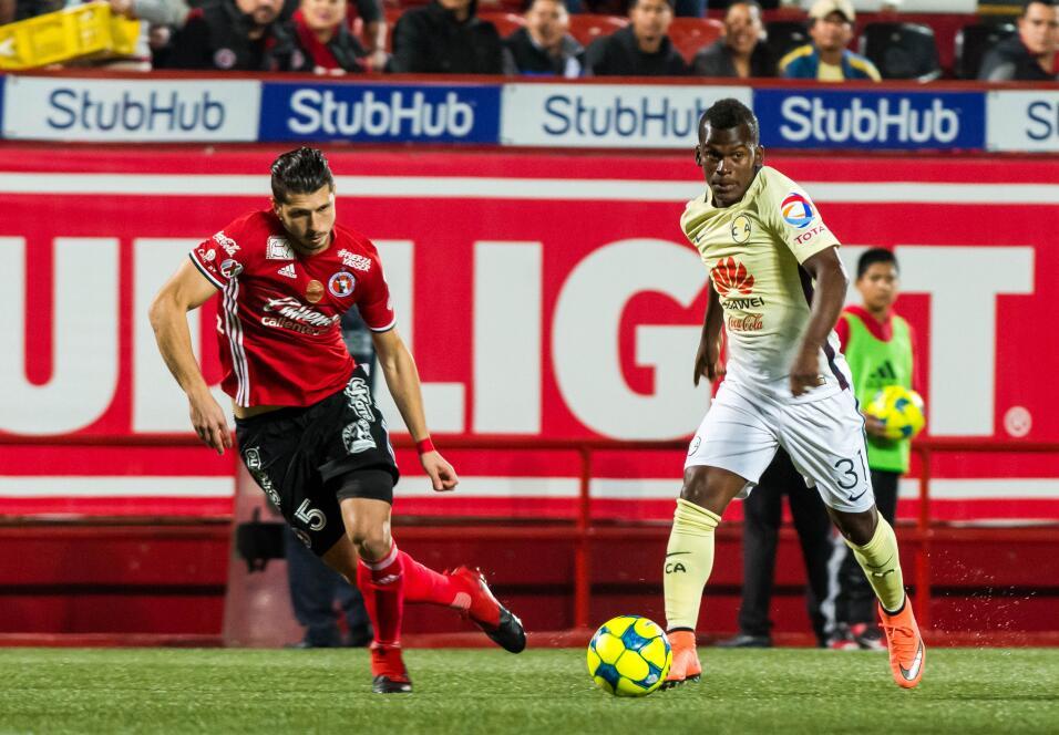 Suspenden a Mauricio Pinilla por insultar y golpear a árbitro 20170308_2...