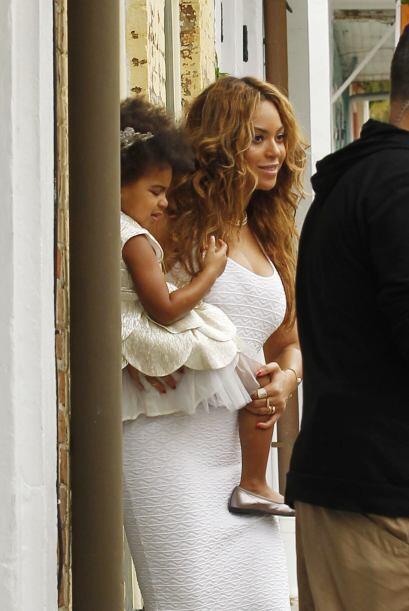 Como la familia Knowles es de larga duración, la fiesta no pod&ia...
