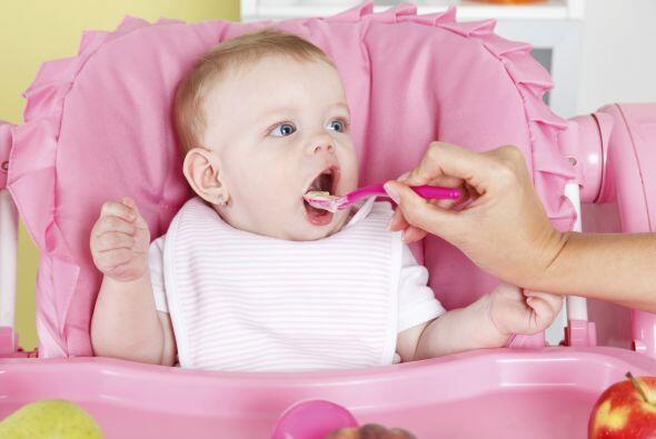 Si bien durante los primeros seis meses de vida el mejor alimento para t...