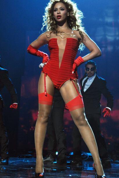 ¡Ufff! y es que para atrevidas y sensuales esta mujer se lleva la corona...