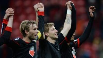 Los jugadores delBayern Leverkusen celebran su victoria ante Stuttgart.