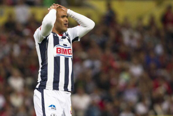 Humberto Suazo, el chileno tuvo el gol para los rayados en el comienzo d...