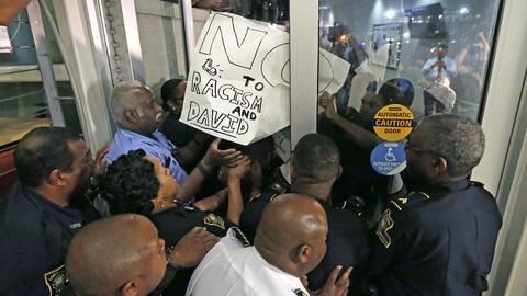 Protestas en una universidad de Nueva Orleans por la presencia de Dave Duke
