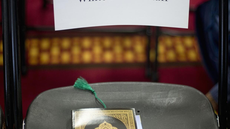 Una copia del Corán en una silla de un miembro de de la Casa Blanca.
