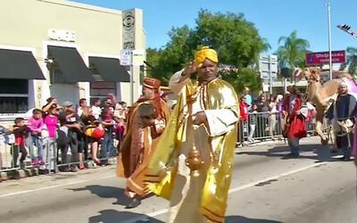 El Desfile de Reyes es la gran tradición latina de Florida