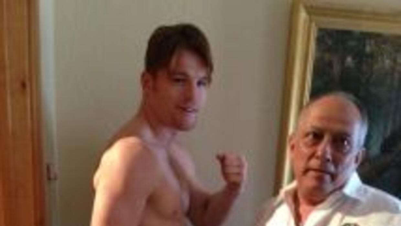 Saúl 'Canelo' Álvarez cumplió con el pre pesaje a 30 días de la pelea co...