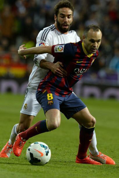 Carvajal (6): No estuvo fino defensivamente. El gol de Iniesta llegó por...