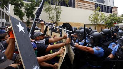 Paro de trabajadores en Puerto Rico termina en violencia