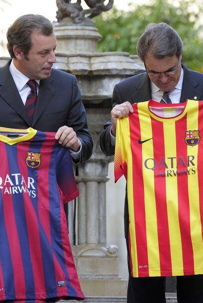 El Barcelona presentó su uniforme para la temporada 2013-14, patr...
