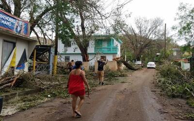 Las autoridades locales dicen que les ha tocado empezar las labores de r...