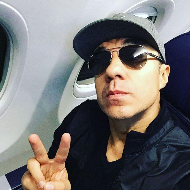 El encanto de Adrián Uribe la vuelve locas