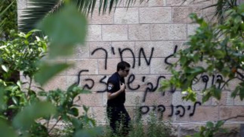 """El pasado lunes apareció un mensaje pintado que decía """"muerte a los árab..."""