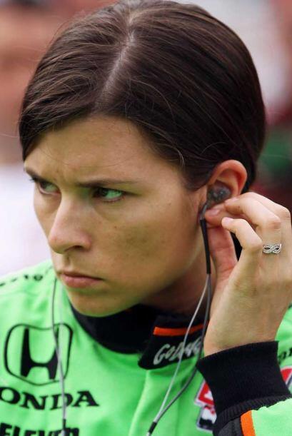 Danica Patrick, la mujer piloto favorite de Estados Unidos, tuvo una ang...