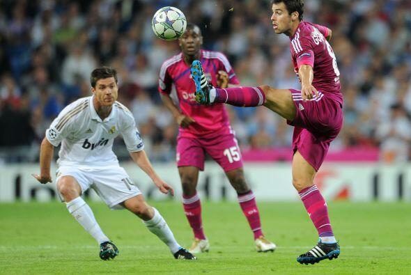 El Real Madrid goleó al Lyon de Francia y se mantiene firme.