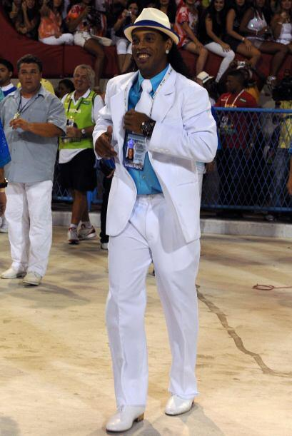 Sin duda alguna que para Ronaldinho la vida es un carnaval....
