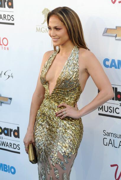 Jennifer Lopez ha dejado a más de uno con la boca abierta.  Mira los chi...