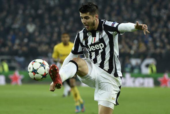 El segundo gol del Juventus llegaría en una jugada similar al primero, u...