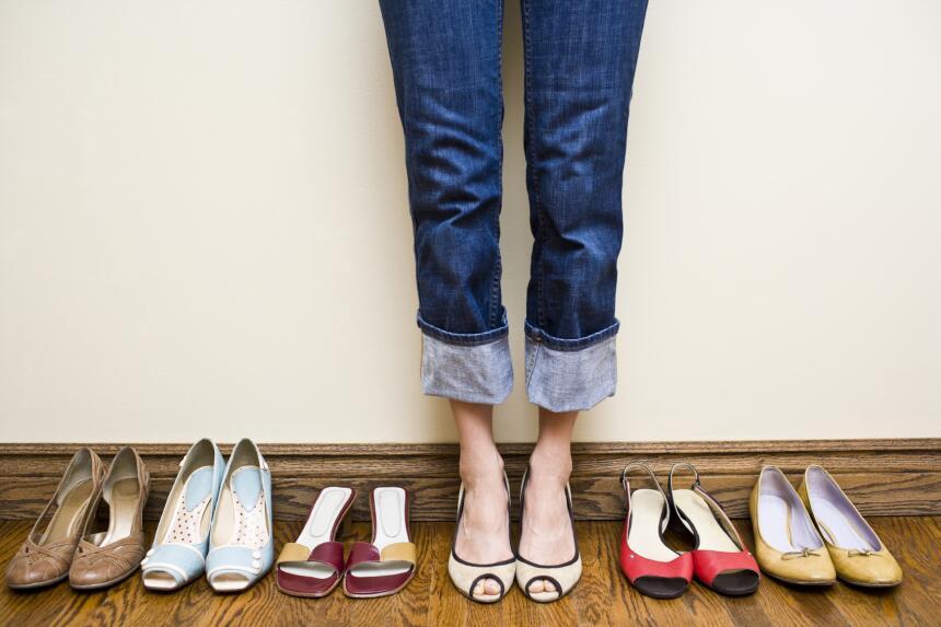 Busca que el calzado sea flexible. Por lo general, los zapatos de cuero...