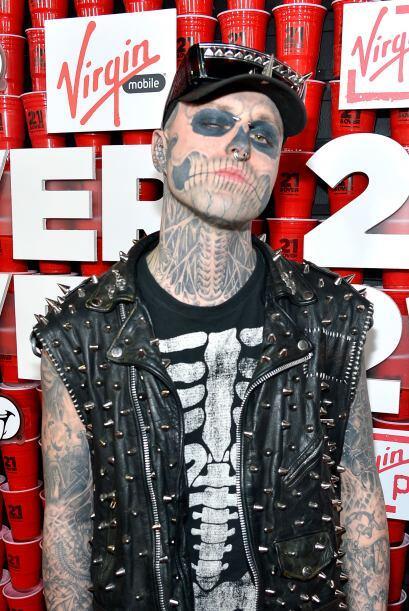 Fue hasta los 12 años cuando conoció al tatuador Frank Lewis, quien ha s...