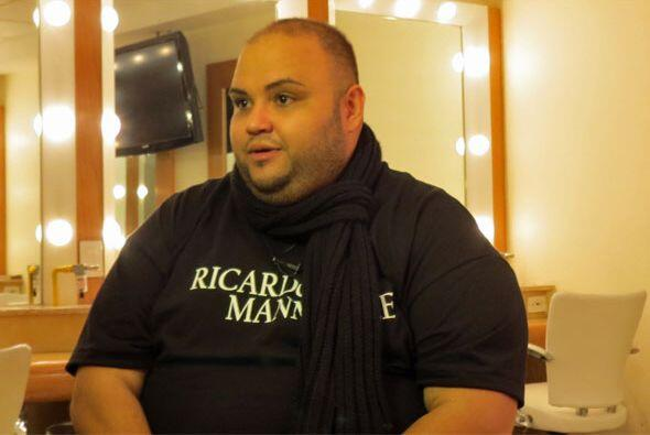 Ricardo quiere conquistar a los latinos con su peculiar personalidad.