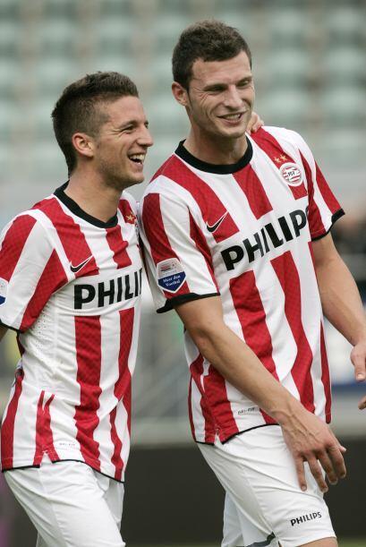 El belga Mertens hizo, ni más ni menos, cuatro goles en la victoria por...