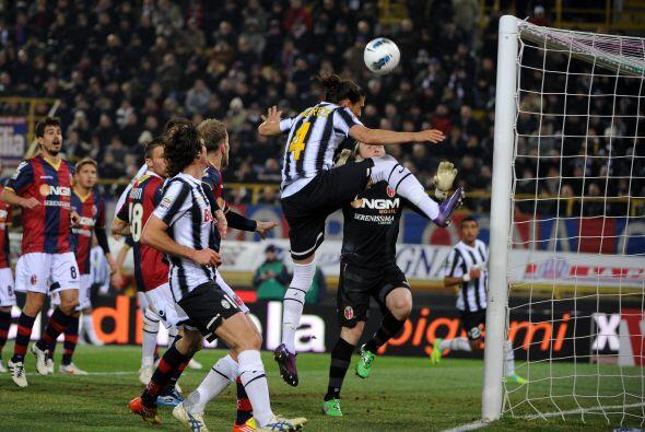 La 'Juve' se fue en busca del empate y estuvo muy cerca. El uruguayo Các...