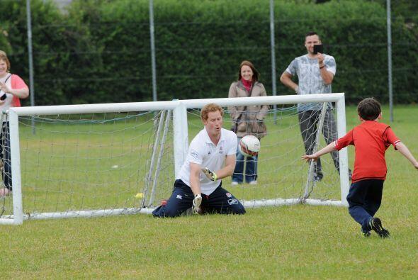 Una gran convivencia entre Harry y los niños de Suffolk.Mira aqu&...