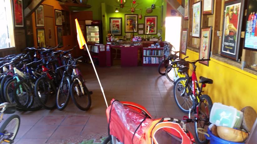 Nos adentramos en la zona de Loíza para conocer más sobre su cultura, su...