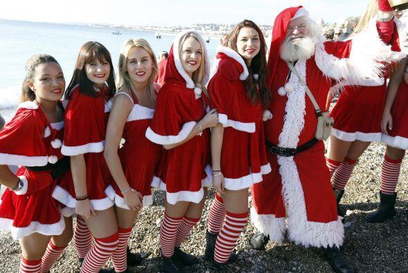 La navidad se adelantó unos días en Francia, en las playas...