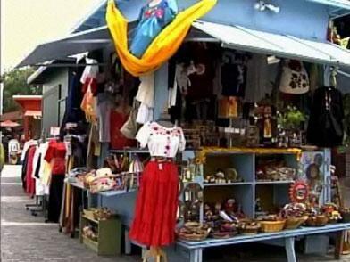 Sin duda el lugar más tradicional de México en Los Ángeles es la Placita...