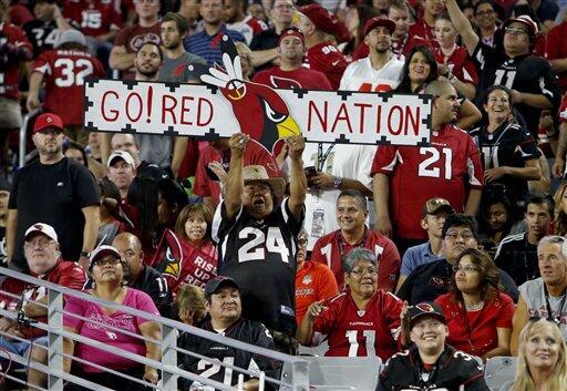 Los Cardinals salieron avantes del duelo plumífero del Lunes por la Noch...