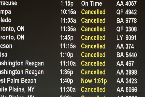 Se calcula que entre el domingo y el jueves, más de 18,700 vuelos fueron...