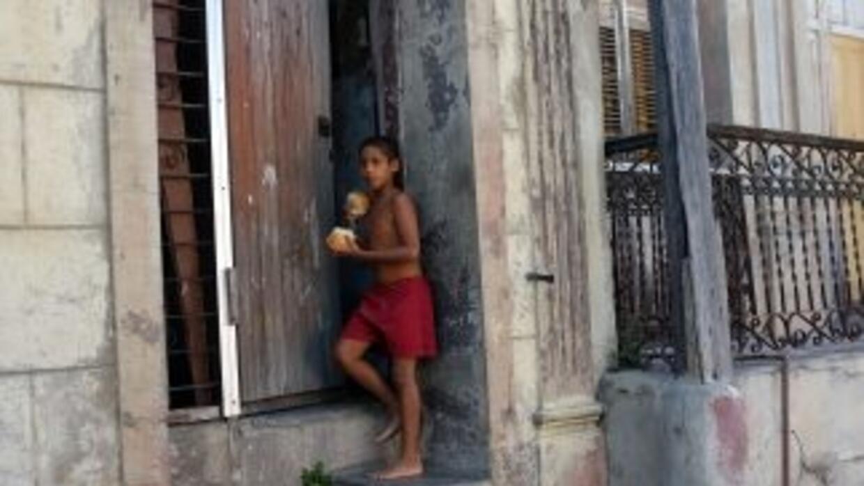 El presidente de Cuba, Raúl Castro, afirmó que no habrá aumentos salaria...