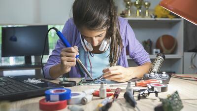 Technolochicas: ¿Qué se necesita y cuáles son las ventajas de estudiar ingeniería mecánica?