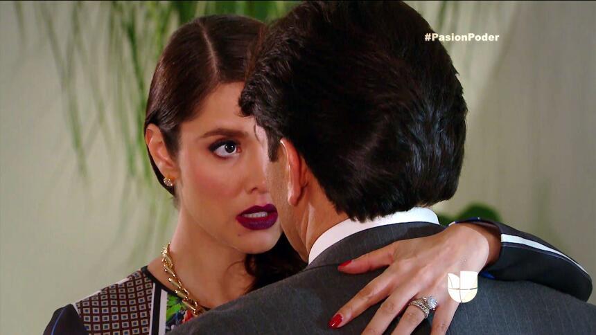¡Julia y Arturo ya no pueden ocultar su amor! 744CD74989A1435A91D6C0B02C...