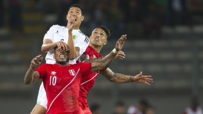 México empató ante Perú en un duelo muy reñido.