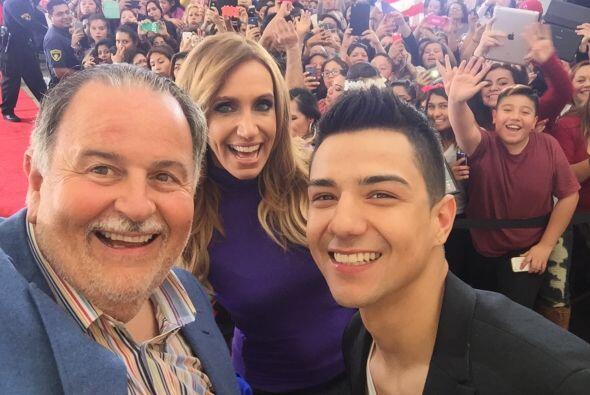 El cantante estuvo como invitado en El Gordo y la Flaca, donde causó tre...