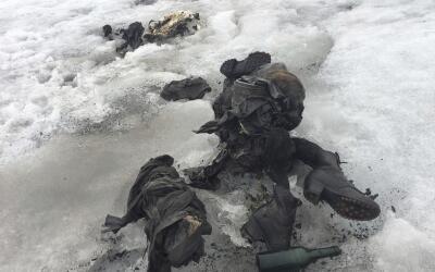 En esta foto publicada por la empresa de suiza Glacier 3000 muestra los...