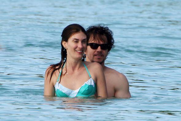 Mismo caso que el de Mark Wahlberg, actor que llevó a su esposa e...