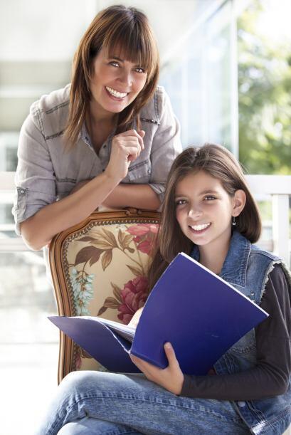 Aunque los niños son los que regresan a las aulas, los padres tienen muc...