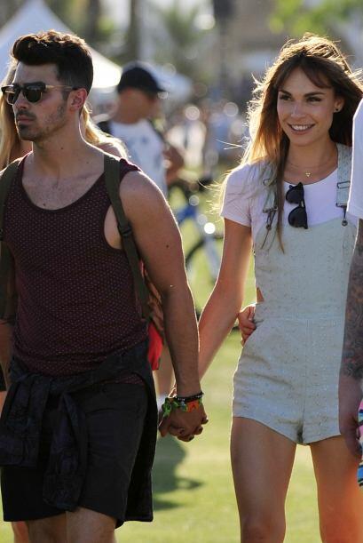 Joe Jonas con su nueva chica. Mira aquí los videos más chi...