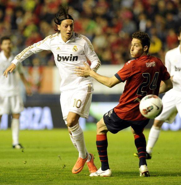 Osasuna nunca pudo recuperar el balón y el Madrid siguió dominando.