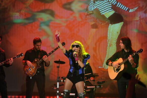 La cantante estaba muy emocionada por ser parte de esta gran gala.