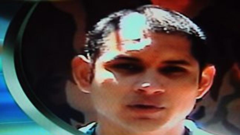 El mayor de la policía colombiana, Javier Solórzano, creó un muñeco de t...