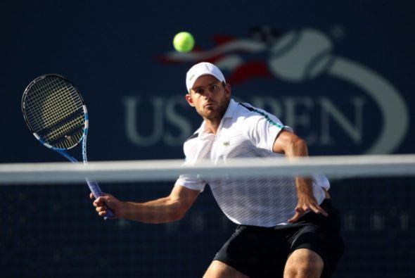 El estadounidense Andy Roddick no pudo con el número dos del mundo y per...