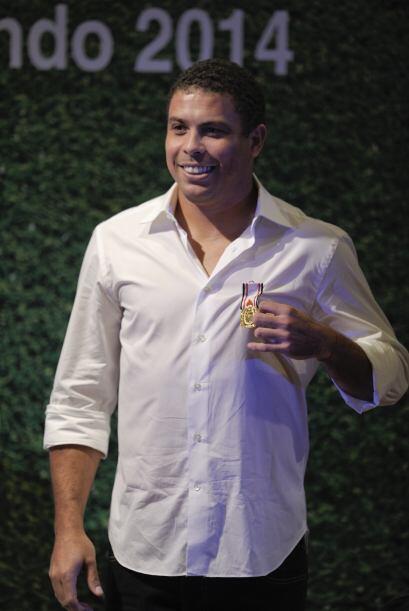 Ronaldo fue condecorado en Sao Paulo con la medalla al Mérito Deportivo...